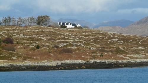 Dodd's House Cushioned IN The Rothschild U.K.