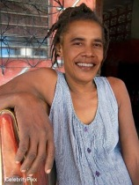barack obama relaxing at home