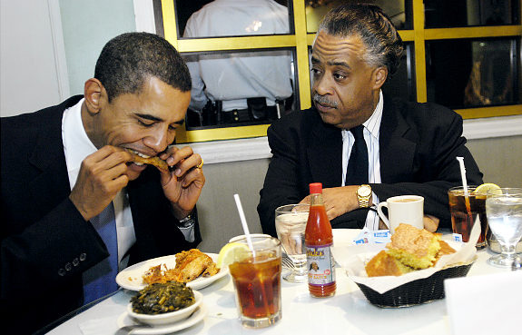Sen. Obama visits Sylvias Rest. in Harlem wth Rev.Al Sharpton. eating and talking in back room.   Original Filename: 7vq3gk1m.JPG   Original Filename: 7vq0fkl9.jpg
