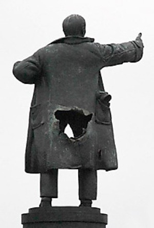 Lenin Statue Destroyed In Russia