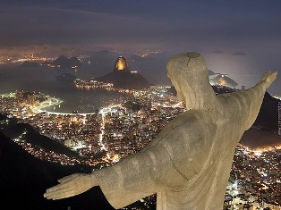 jesus-christ-largest-statue-0411