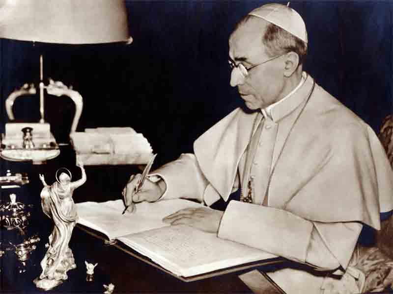 Roman Catholic Popes Have All Denounced Free Mason's New World Order: If You Believe Otherwise You're A Victim Of The Banker's Propaganda? Pius-xii