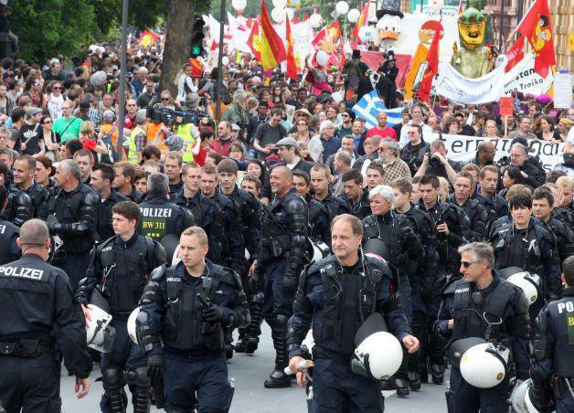 German Police March With Citizens Against Rothschild's E.U.