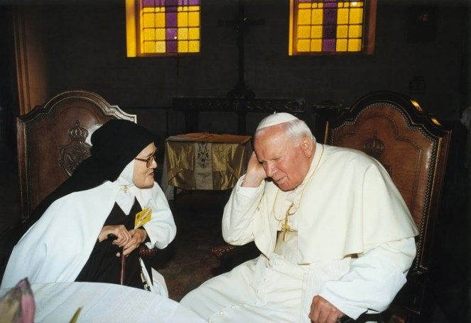 Sister Lucia with Blessed John Paul II