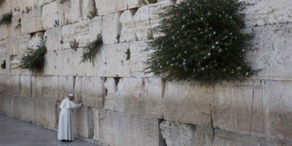 Pope Francis At The Western Wailing Wall Of The Destroyed Temple Mount 70 A.D.