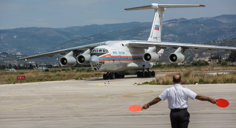 Russian aircraft with humanitarian aid to Syria through the Greek airspace.