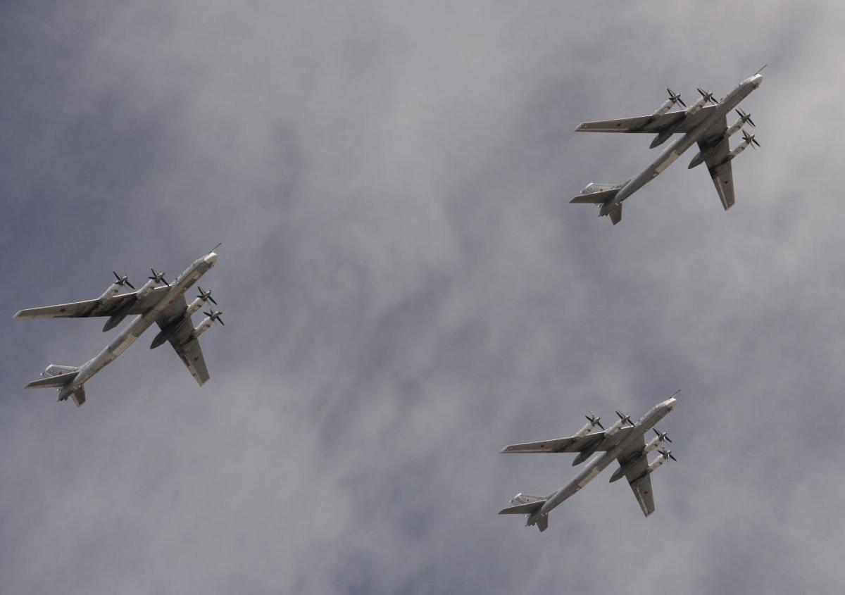 Russian Bombers Surround And Destroy International ISIS Convoy Heading To Their Last Refuge In Deir ez-Zor, Syria